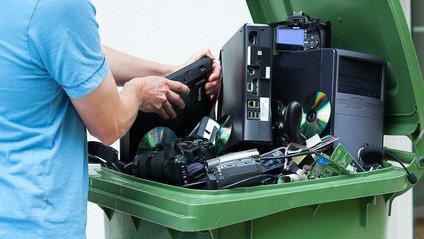 パソコンを無料で処分(廃棄)する方法【パソコン処分.com編】