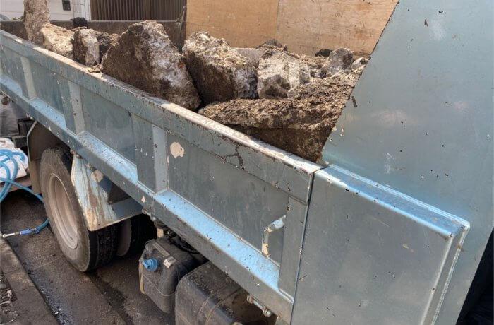 撤去用のトラック